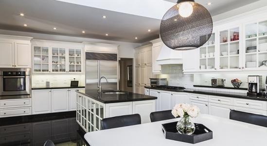 Luxury-Home-Market